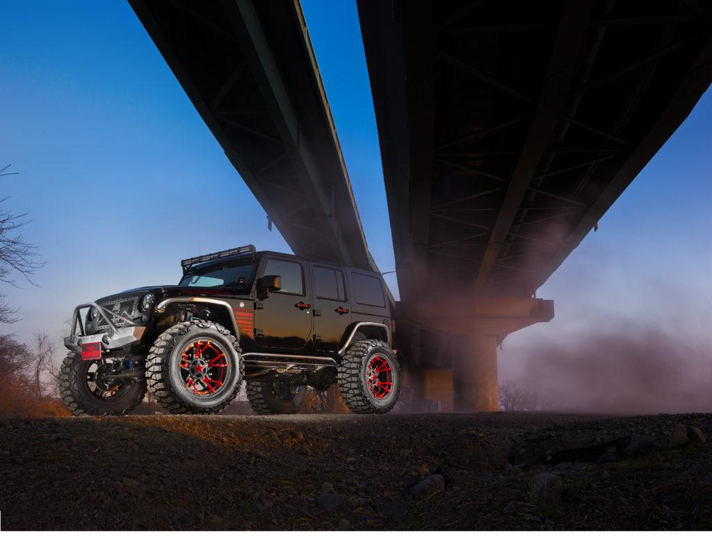 ジープ所沢&タイガーオートは Jeepの新車販売・カスタマイズを手懸ける専門店 Jeepに与えられた資質を見事に捉えて活かし、 その魅力をより豊かに表現することに長けている